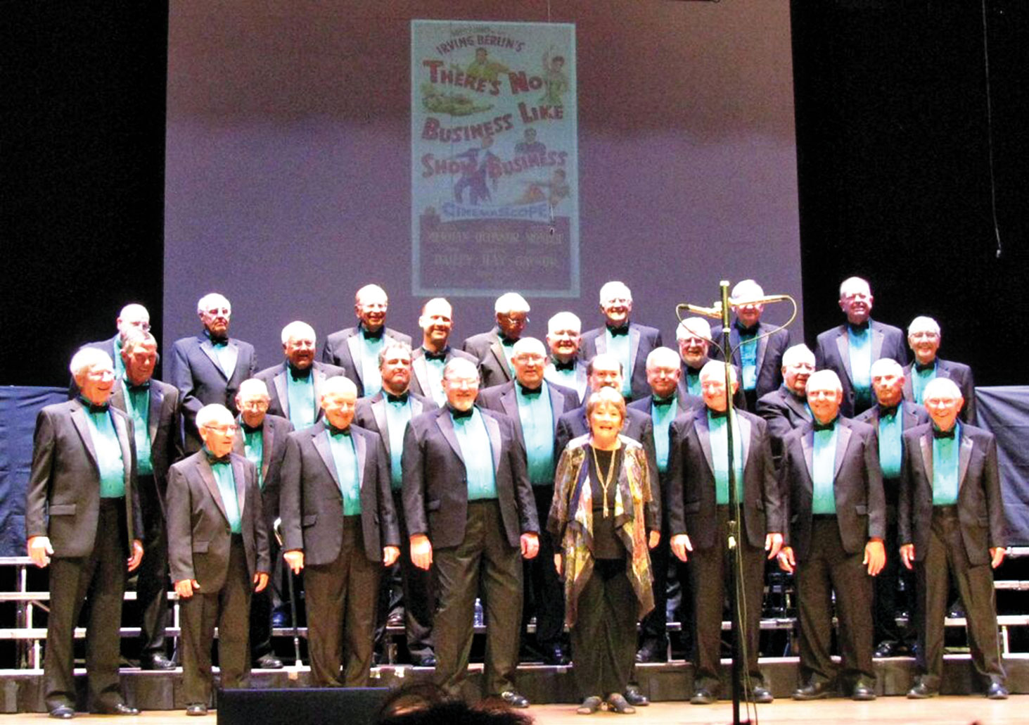 Leader Nancy Bergman and the men of the Canada del Oro Chorus performing last March