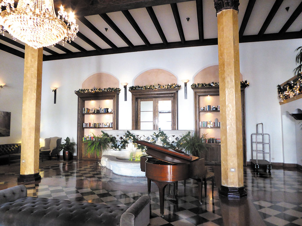 The lobby of Hotel Normandie