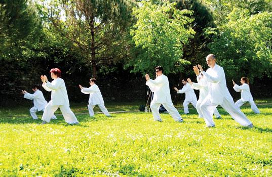 A Tai Chi class